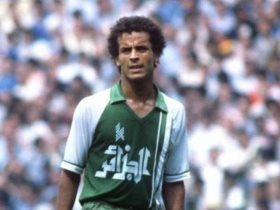 نجم منتخب الجزائر الأخضر بلومي