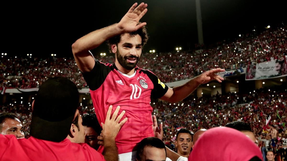صلاح وفرحة تأهل منتخب مصر إلى مونديال روسيا بعد الفوز على الكونغو بهدفين