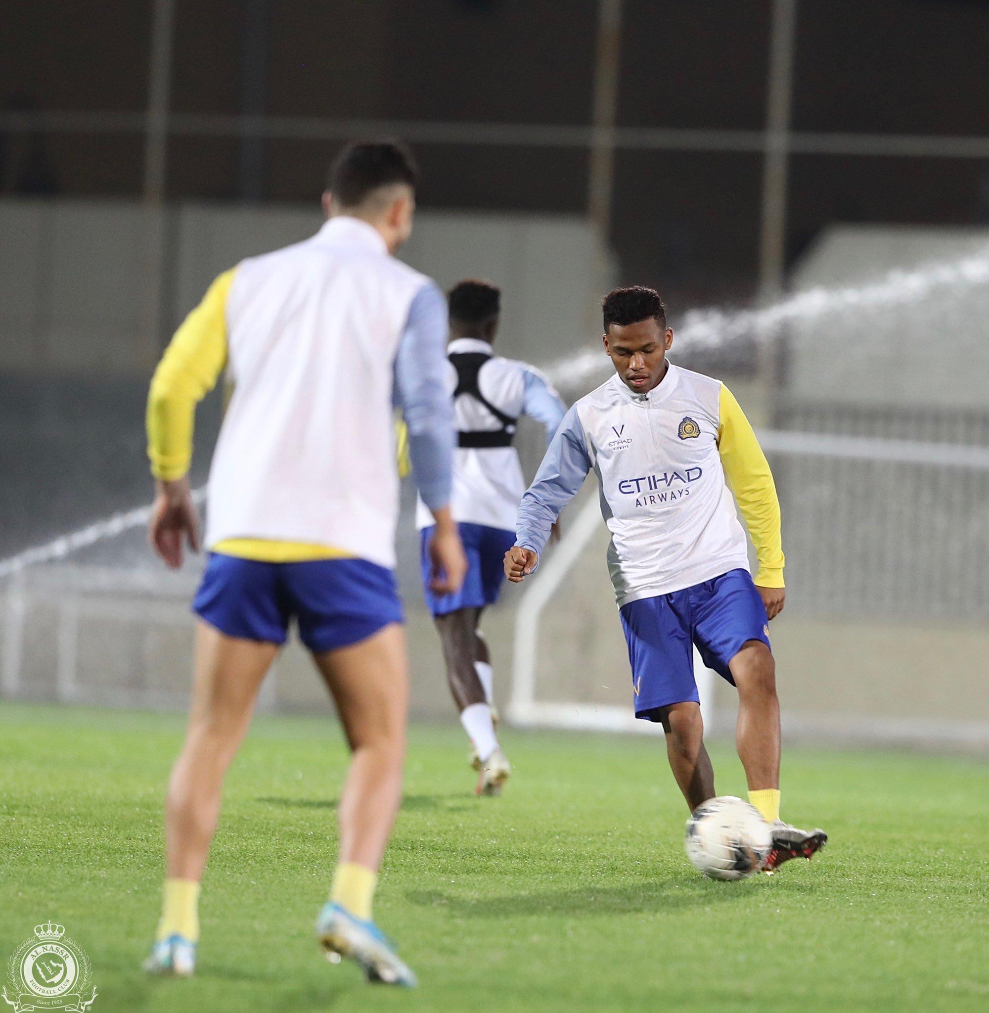 10 مشاهد من تدريبات النصر السعودي الأخيرة فى معسكر الإمارات (7)