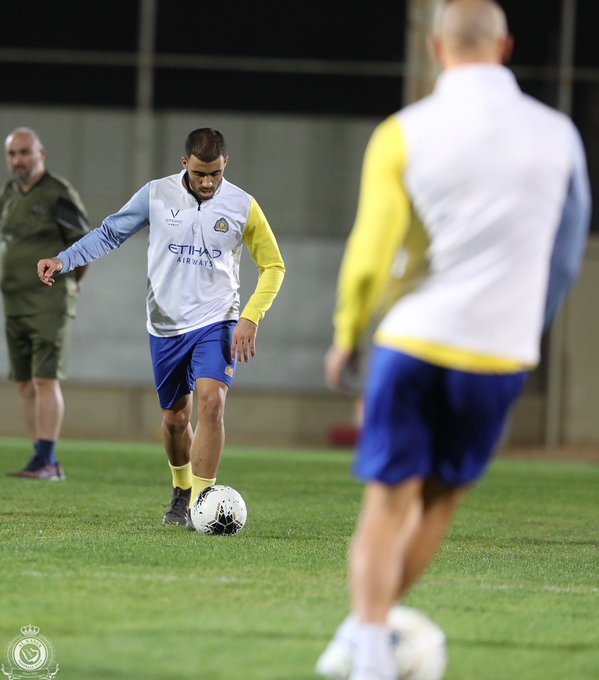 10 مشاهد من تدريبات النصر السعودي الأخيرة فى معسكر الإمارات (4)