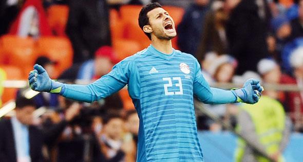 محمد الشناوى حارس مرمى منتخب مصر ولاعب النادى الأهلى