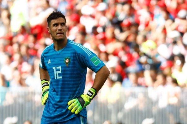 منير المحمدي حارس مرمى منتخب المغرب ولاعب نادى مالاقا الاسبانى