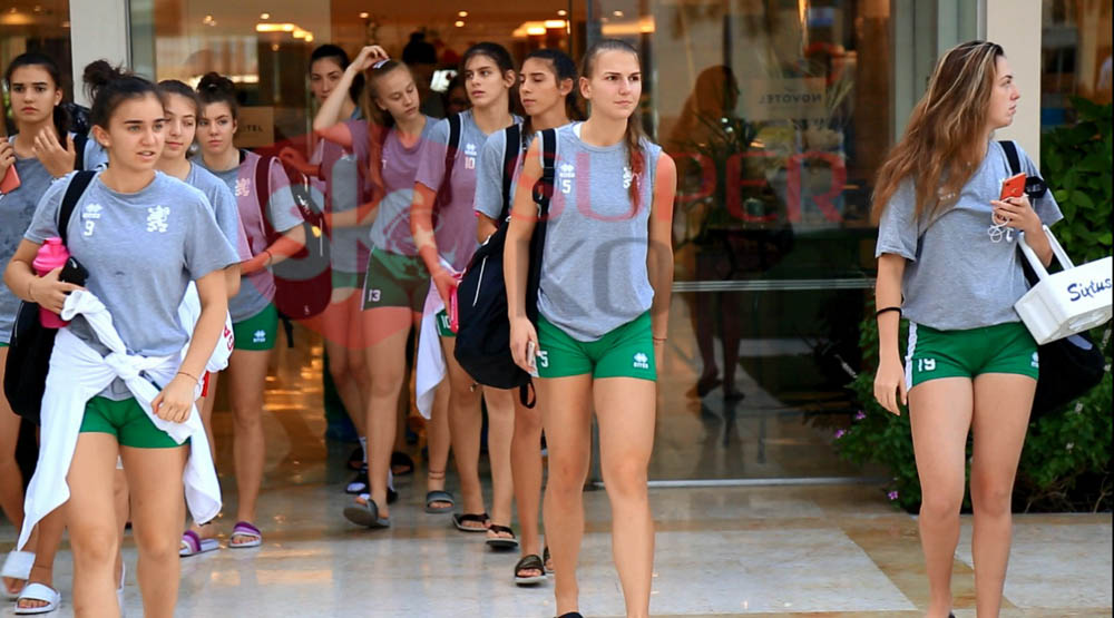 بورى سلافا لاعبة منتخب بلغاريا (2)