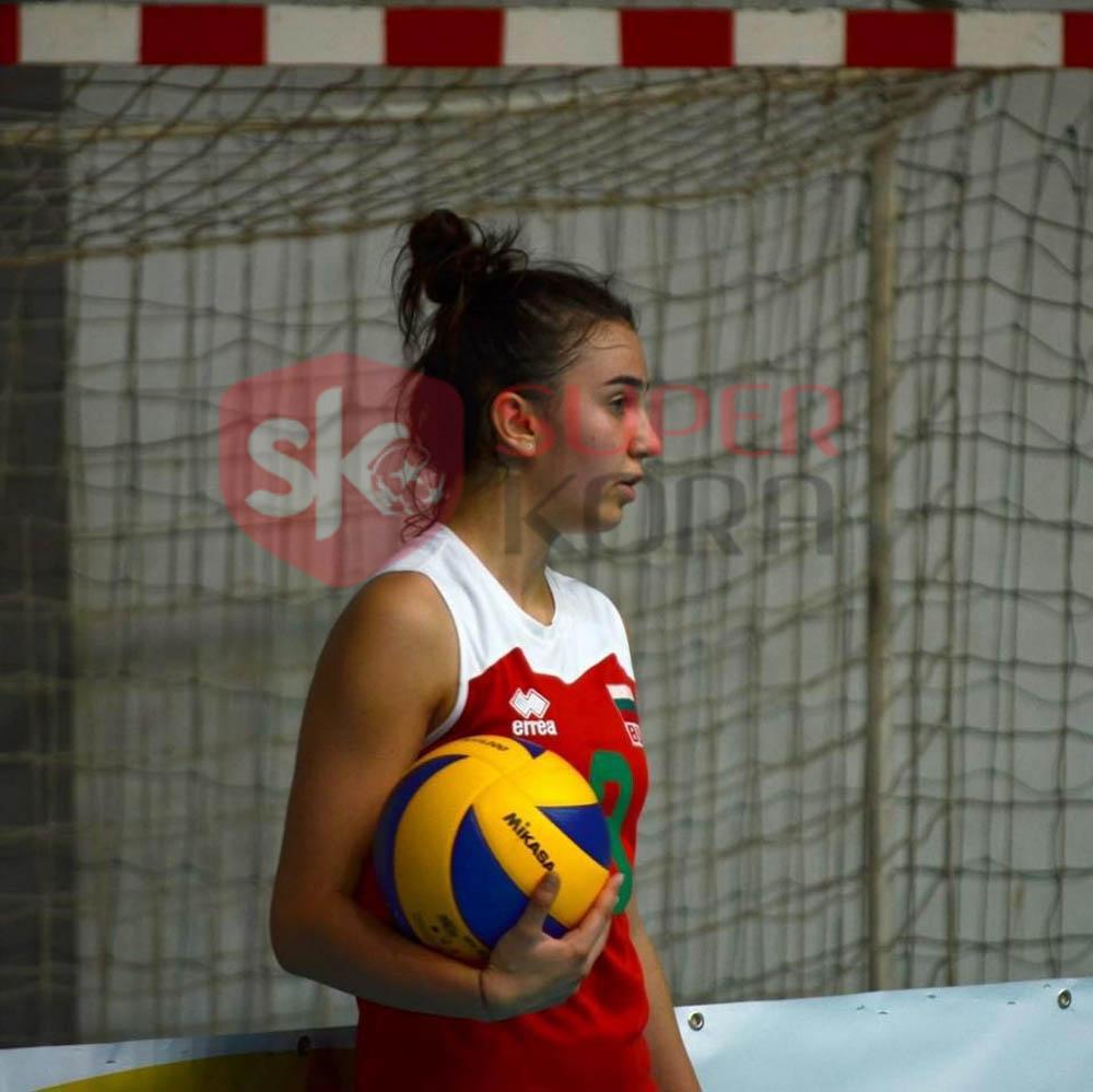 بورى سلافا لاعبة منتخب بلغاريا (5)