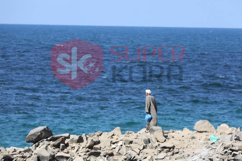 شاطئ الإسكندرية ورياضة الصيد من الجماهير (10)
