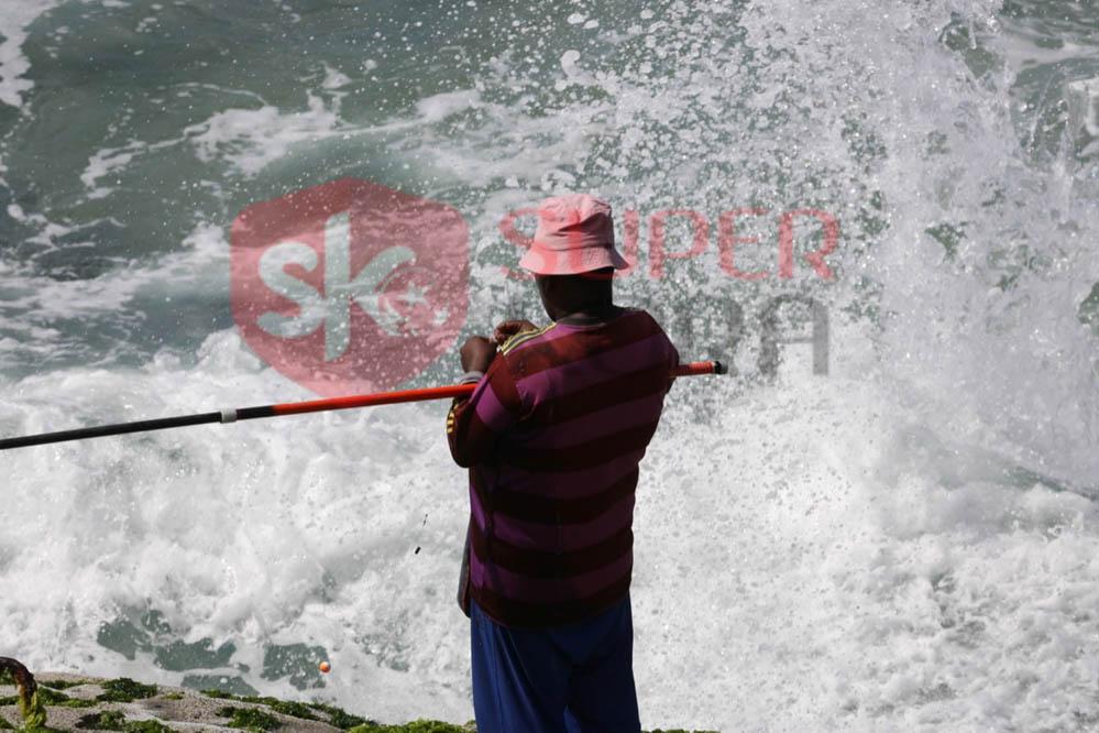 شاطئ الإسكندرية ورياضة الصيد من الجماهير (3)