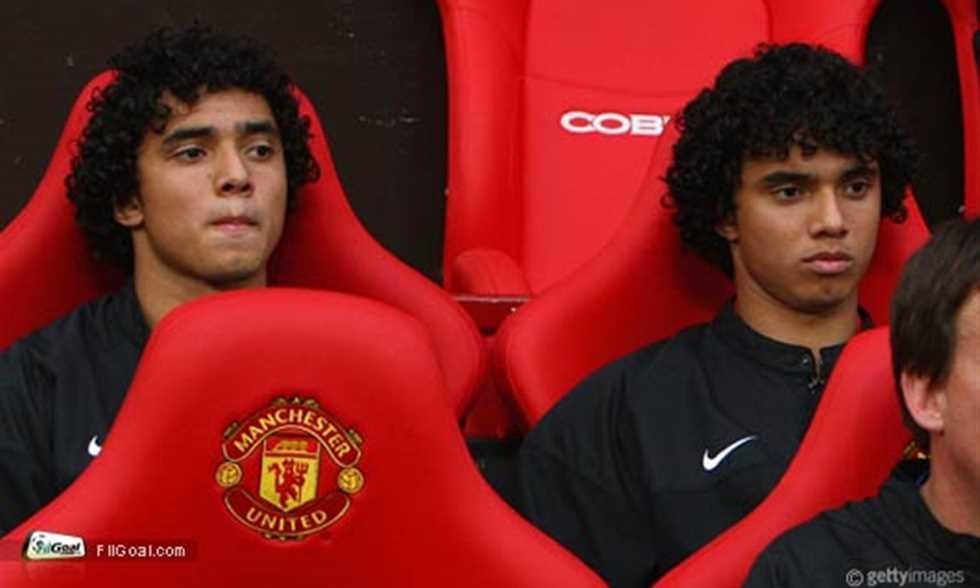 لعب الشقيقان التوأم رافاييل وفابيو دا سيلفا بصفوف مانشستر يونايتد الانجليزى.
