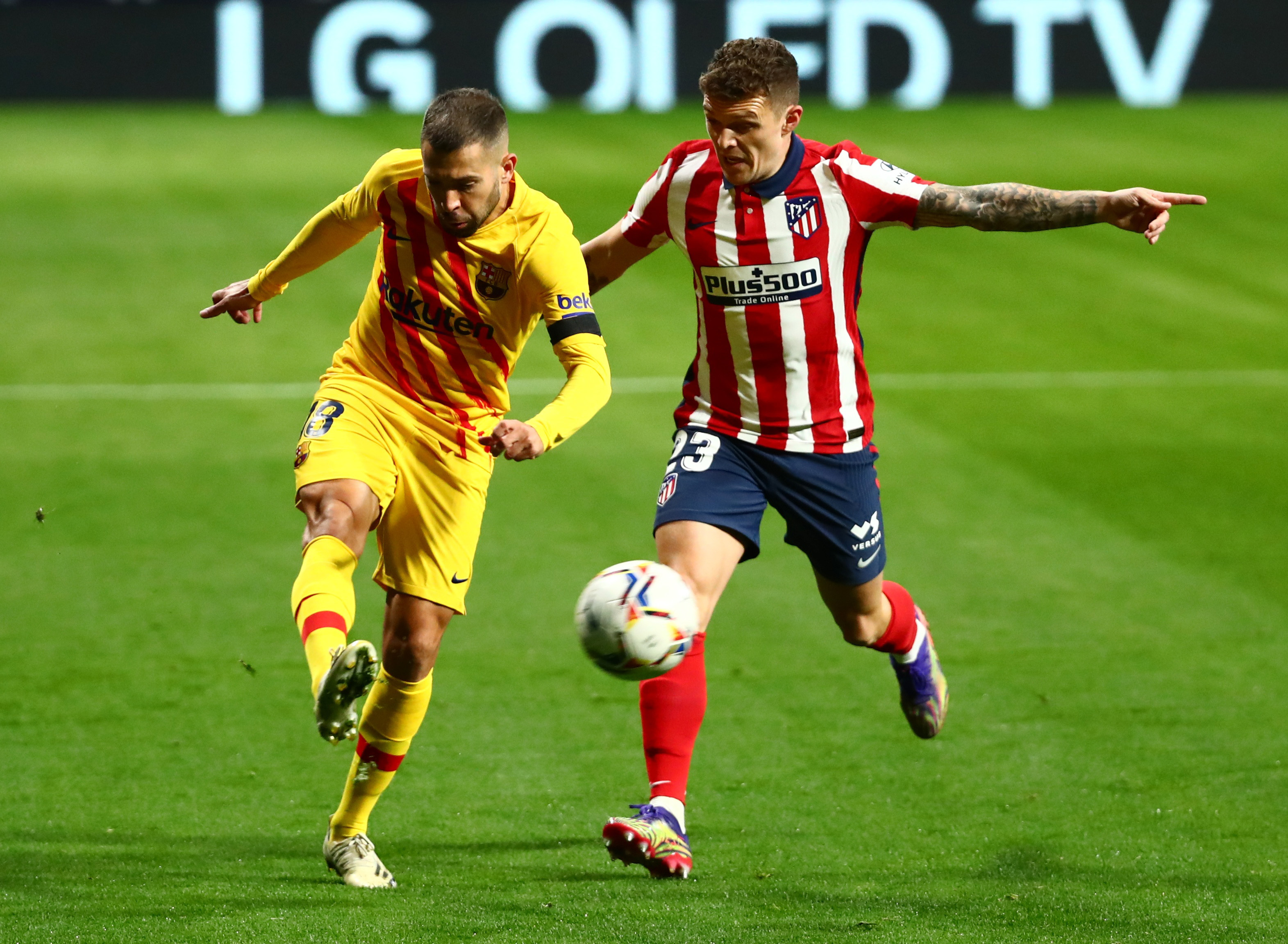 أتلتيكو مدريد ضد برشلونة (9)