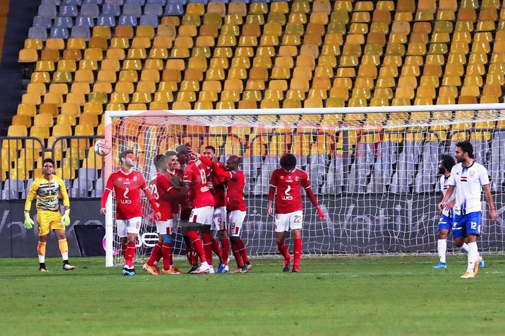 10 مشاهد من مباراة الأهلى وأبو قير للأسمدة