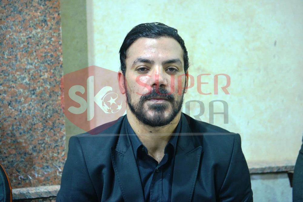 نجوم الرياضة والإعلام يشاركون في عزاء والد عمرو ذكي (1)