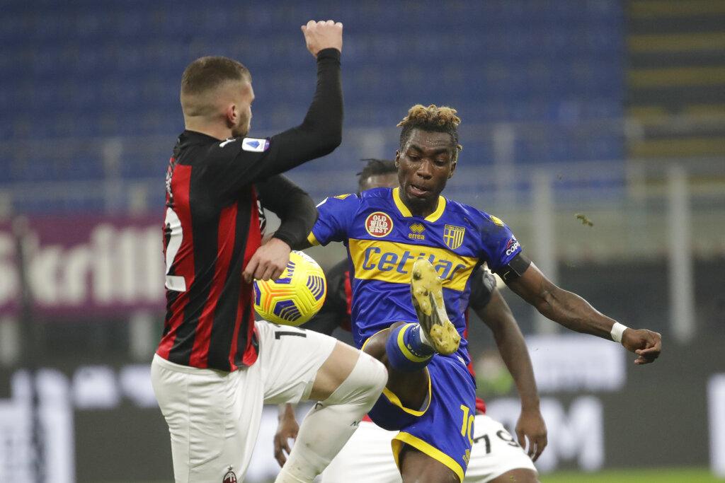 ميلان ضد بارما (1)