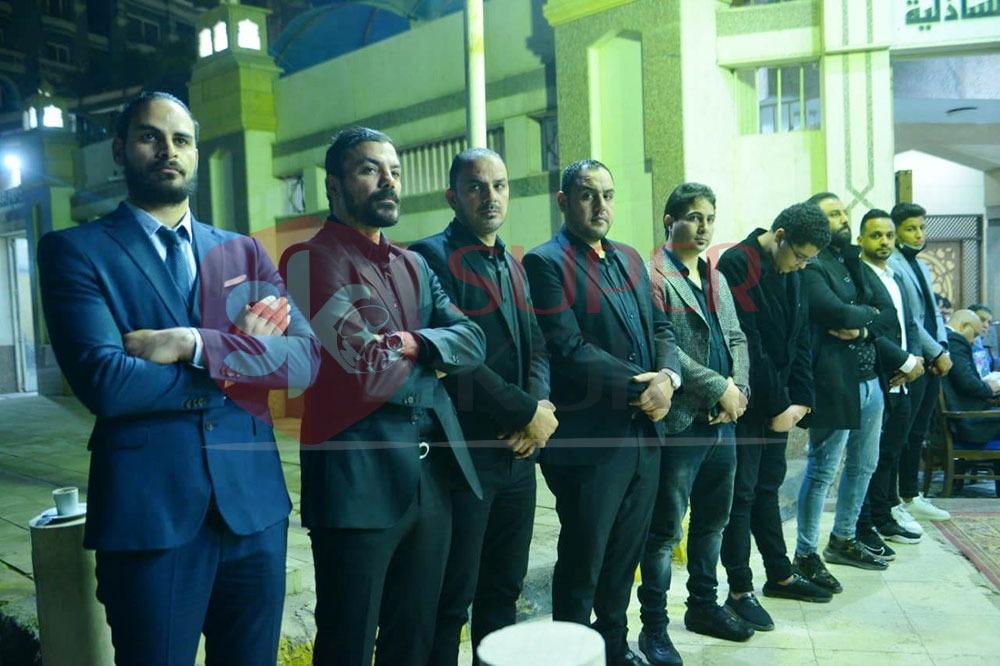 نجوم الرياضة والإعلام يشاركون في عزاء والد عمرو ذكي (7)
