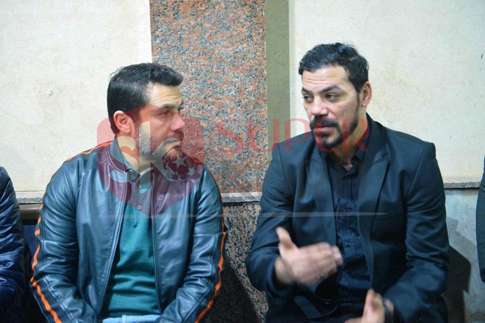 نجوم الرياضة والإعلام يشاركون في عزاء والد عمرو ذكي (14)