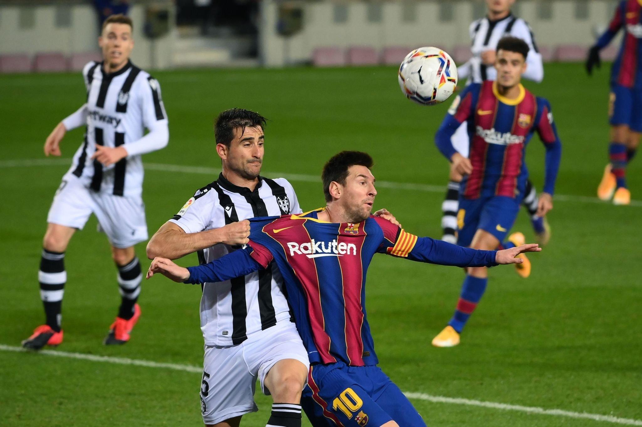 برشلونة ضد ليفانتي (4)