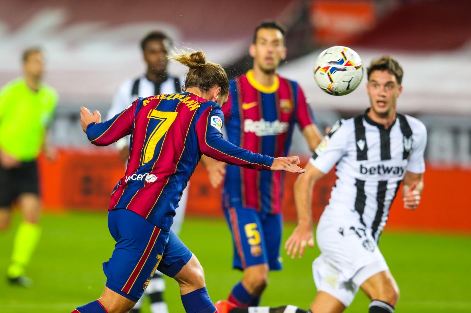 برشلونة ضد ليفانتي (2)