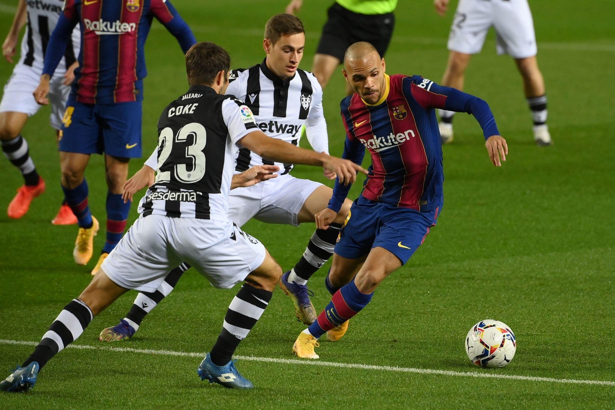 برشلونة ضد ليفانتي (6)