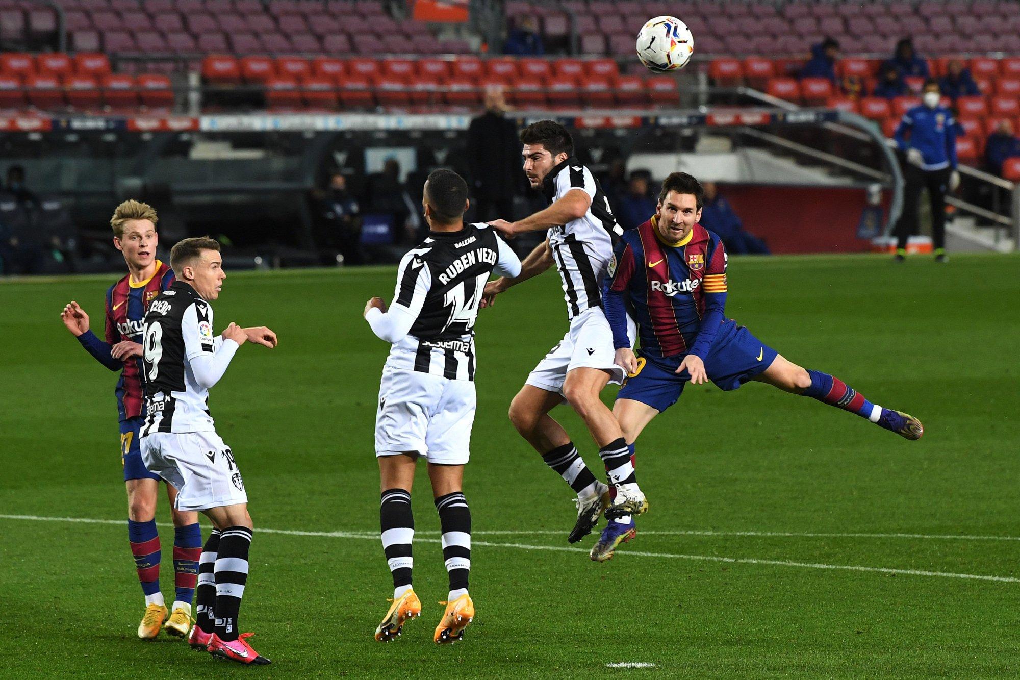 برشلونة ضد ليفانتي (5)