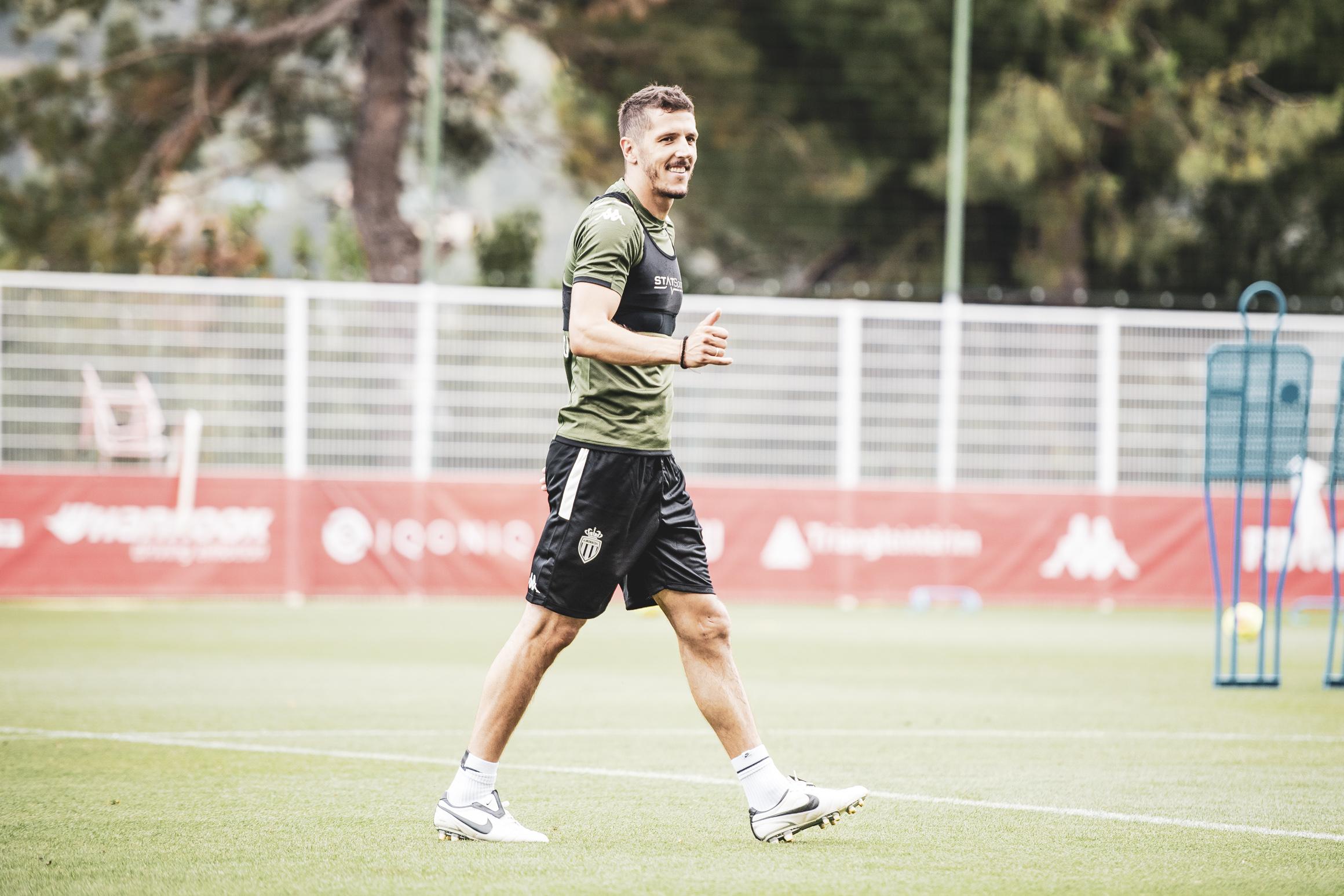 موناكو يعود للتدريبات أكثر قوة وحماس استعداد للدوري الفرنسي (9)