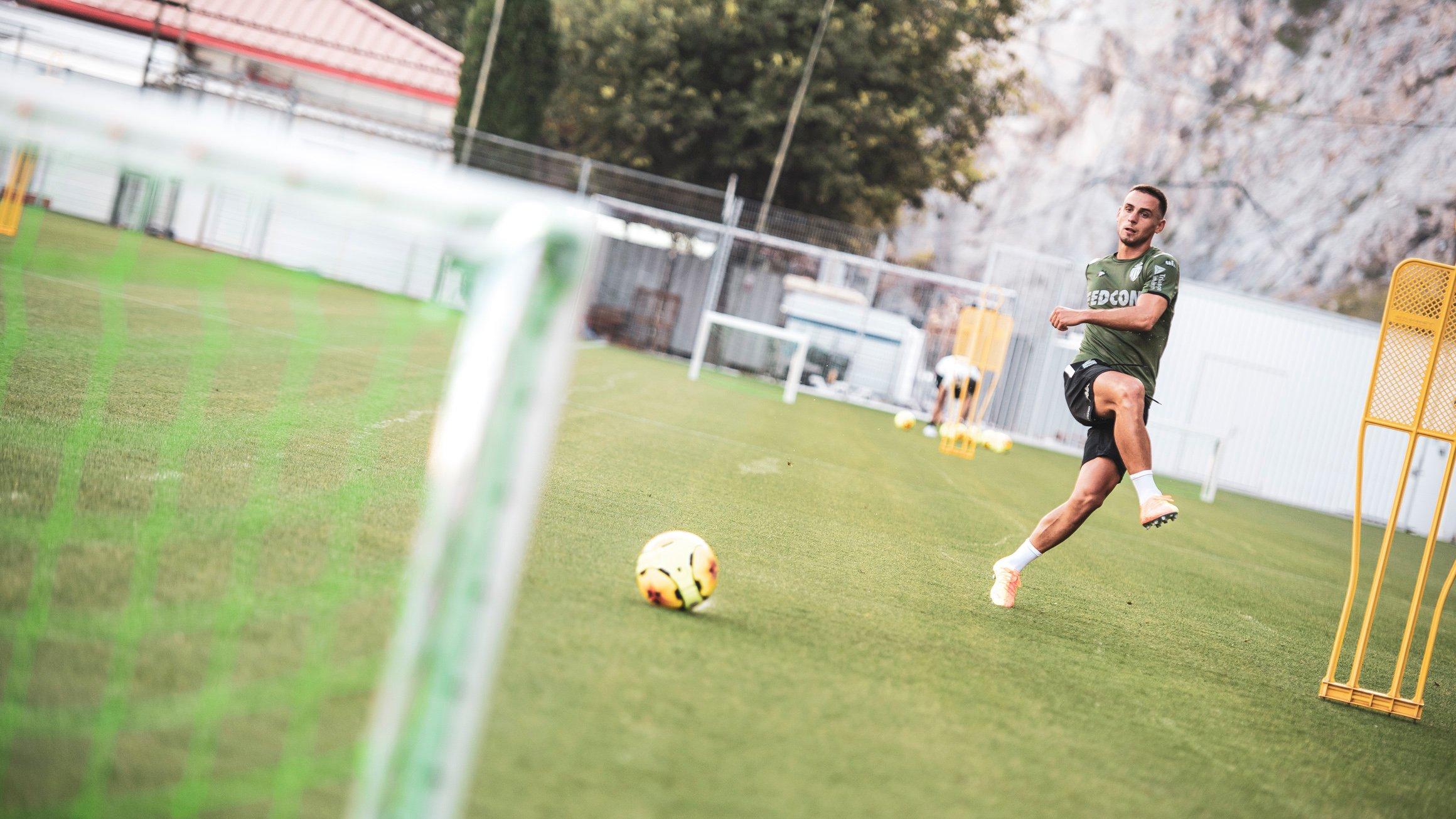 موناكو يعود للتدريبات أكثر قوة وحماس استعداد للدوري الفرنسي (8)