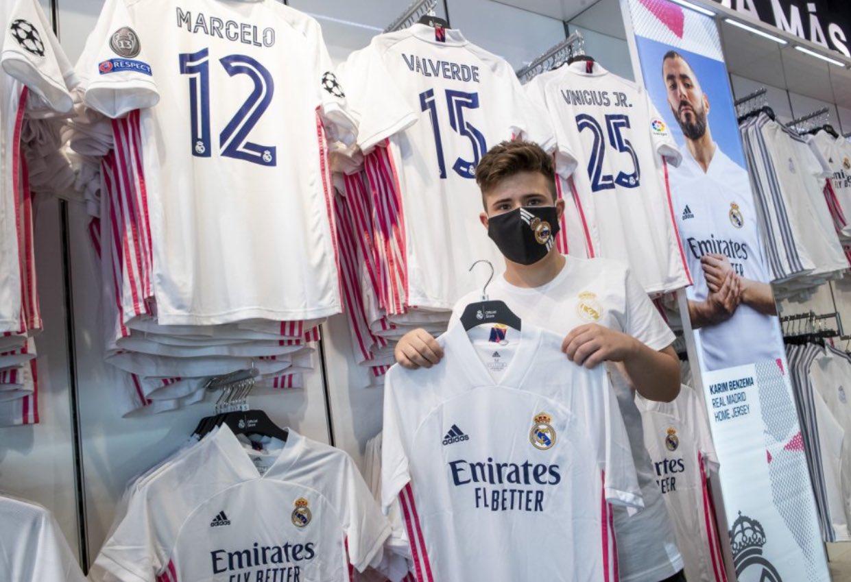 قميص ريال مدريد (4)