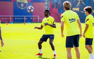 برشلونة يخوض مرانه استعدادا لمواجهة نابولى في دوري أبطال أوروبا