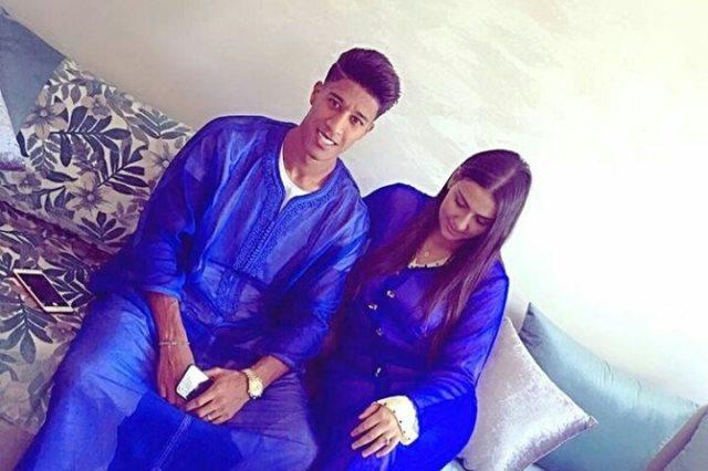 """حميد أحداد مع زوجته بـ""""القفطان"""" المغربى: عيدكم مبارك.. صور - سوبر كورة"""