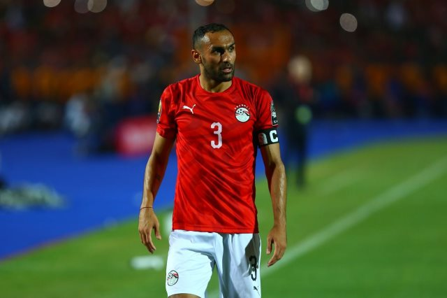 أحمد المحمدى لاعب أستون فيلا الإنجليزى