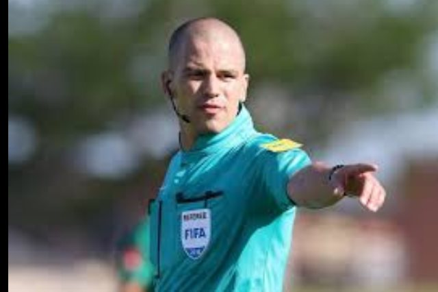 الجنوب أفريقى فيكتور جوميز إدارة مباراة الأهلى أمام الوداد المغربى