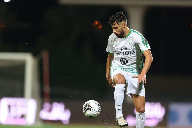 الجزائري يوسف البلايلي , لاعب النادي الأهلي السعودي