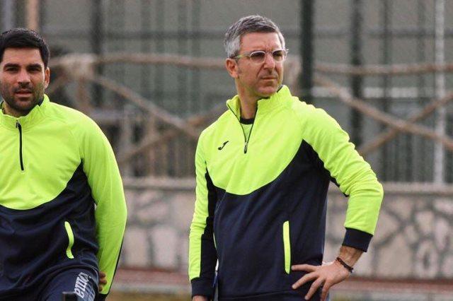 بابا فاسيليوس يكشف الفارق بين موسيماني وباتشيكو وبطل كأس مصر القادم