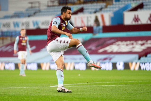 محمد صلاح يهنئ محمود تريزيجيه بالتألق في الدوري الانجليزي