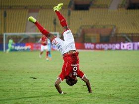 http://www.superkora.football/News/1/107935/الأهلي-يطالب-فيفا-بتغليظ-عقوبة-كوليبالي-الهارب