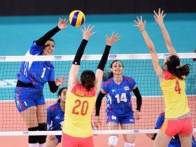 أية الشامي لاعبة منتخب الطائرة في مباراة الصين