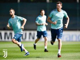 http://www.superkora.football/News/10/85036/يوفنتوس-يبدأ-الاستعداد-لمواجهة-نابولى-الحاسمة