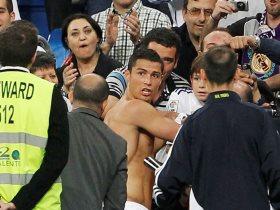 http://www.superkora.football/News/10/85711/أغرب-حيل-الجماهير-لاقتحام-الملاعب