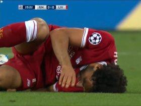 http://www.superkora.football/News/10/90751/إصابة-محمد-صلاح-وبكائه-الحزين-صور