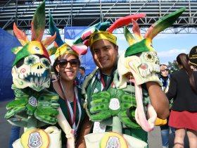 http://www.superkora.football/News/16/94497/روميو-وجوليت-مكسيكى-يفاجئ-صديقته-بطلب-الزواج-بعد-الفوز-على