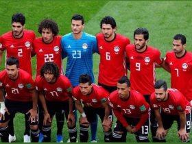 http://www.superkora.football/News/17/96323/فيديو-عروسان-مصريان-يحضران-مباراة-مصر-والسعودية-بملابس-الزفاف