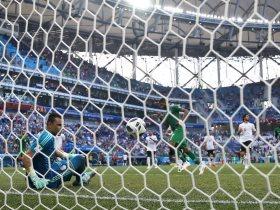 http://www.superkora.football/News/14/96368/عصام-الحضري-أنا-بعتذر-للشعب-المصرى-واللاعبين-لم-يقصروا-بالمونديال