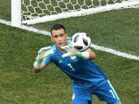 http://www.superkora.football/News/1/116141/المصري-يرفض-ضم-الحضري-ويتمسك-بـ-جمعة-وعيسي