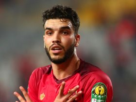http://www.superkora.football/News/1/103898/أزارو-يقود-هجوم-الأهلى-أمام-الترجى-التونسي