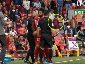 http://www.superkora.football/News/8/103663/مشجع-وست-هام-ينحنى-لمحمد-صلاح-لحظة-خروجه-فيديو-وصور