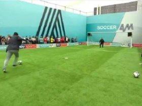 http://www.superkora.football/News/5/103974/ميدو-يستعيد-ذكريات-الماضي-ويستعرض-مهاراته-فى-الصندوق