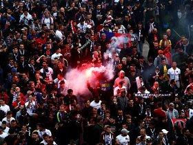 http://www.superkora.football/News/5/107762/هتاف-نارى-من-جماهير-ليفربول-لمحمد-صلاح-فى-مباراة-سان