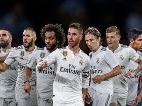 http://www.superkora.football/News/6/108567/نجوم-ريال-مدريد-تخطف-الأضواء-فى-حفل-The-Best