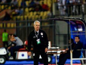 http://www.superkora.football/News/8/112513/اجيرى-يعلن-قائمة-المحترفين-لمباراة-الفراعنة-و-تونس-استبعاد-رمضان