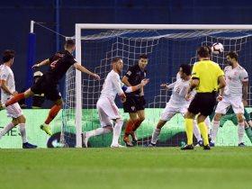 http://www.superkora.football/News/2/115731/كرواتيا-تخطف-الفوز-3-2-على-إسبانيا-فى-الوقت-القاتل