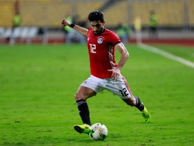 http://www.superkora.football/News/1/132905/3-أيام-تفصل-أيمن-أشرف-عن-العودة-لتدريبات-الأهلى-الجماعية