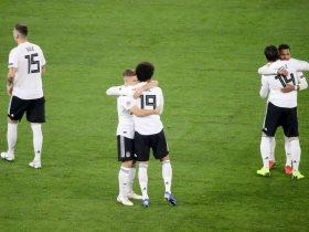 http://www.superkora.football/News/2/116223/ألمانيا-تتقدم-بهدفين-على-هولندا-في-الشوط-الأول