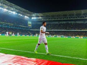 http://www.superkora.football/News/8/119880/لاتسيو-يعرض-6-ملايين-يورو-لضم-تريزيجيه